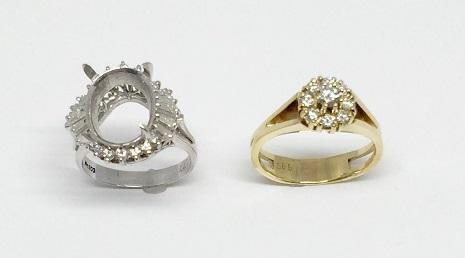 形見のダイヤモンドファッションリングと中石の無い空枠